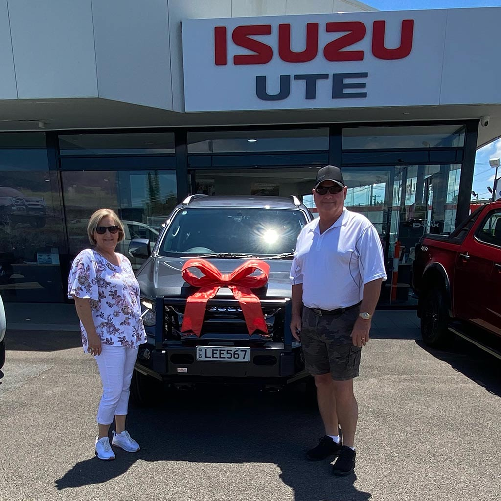 Customer testimonial from Noel & Leanne - New Isuzu Ute thanks to Ezilend Brisbane